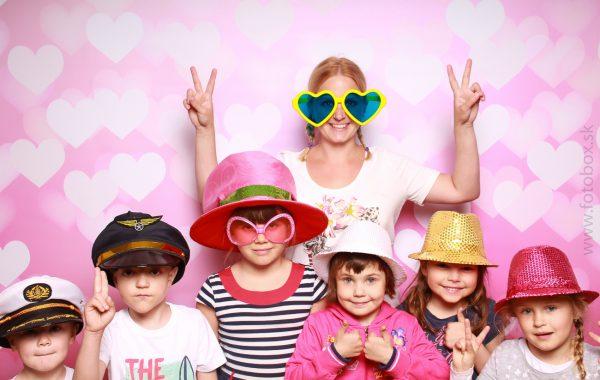 Deň matiek – Dúhová školka